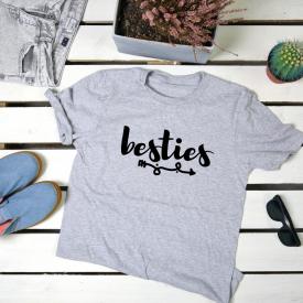 Besties. t-shirt
