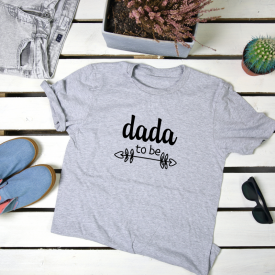 Dada to be. t-shirt