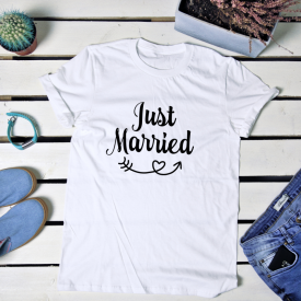 Just married. t-shirt