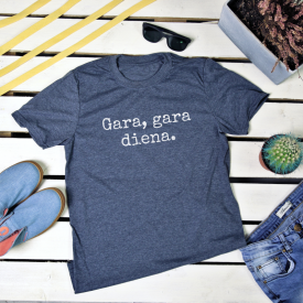 Gara, gara diena. t-shirt
